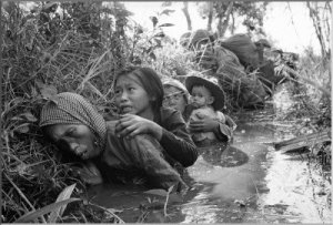 vietnam-war-rare-incredible-pictures-history-400x271